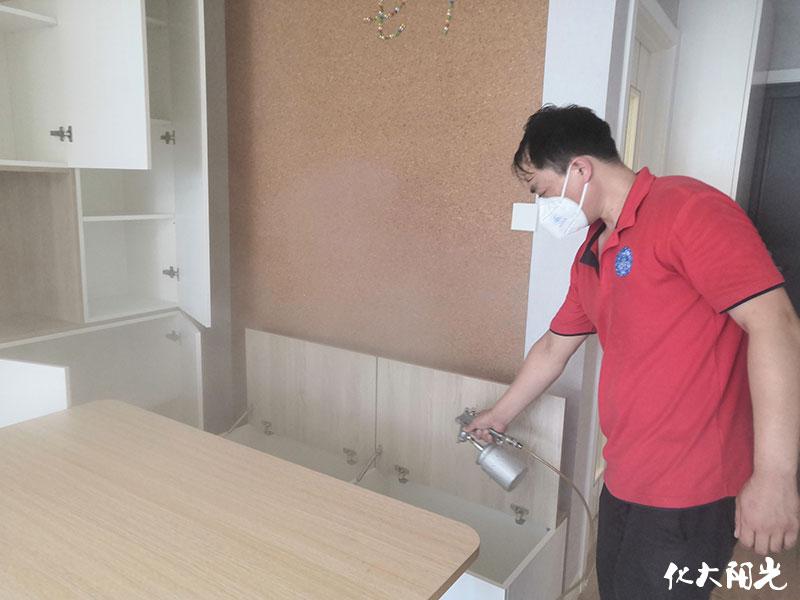 室内装饰装修材料中甲醛、VOCs 散发特征